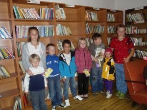 děti v obecní knihovně Loužnice