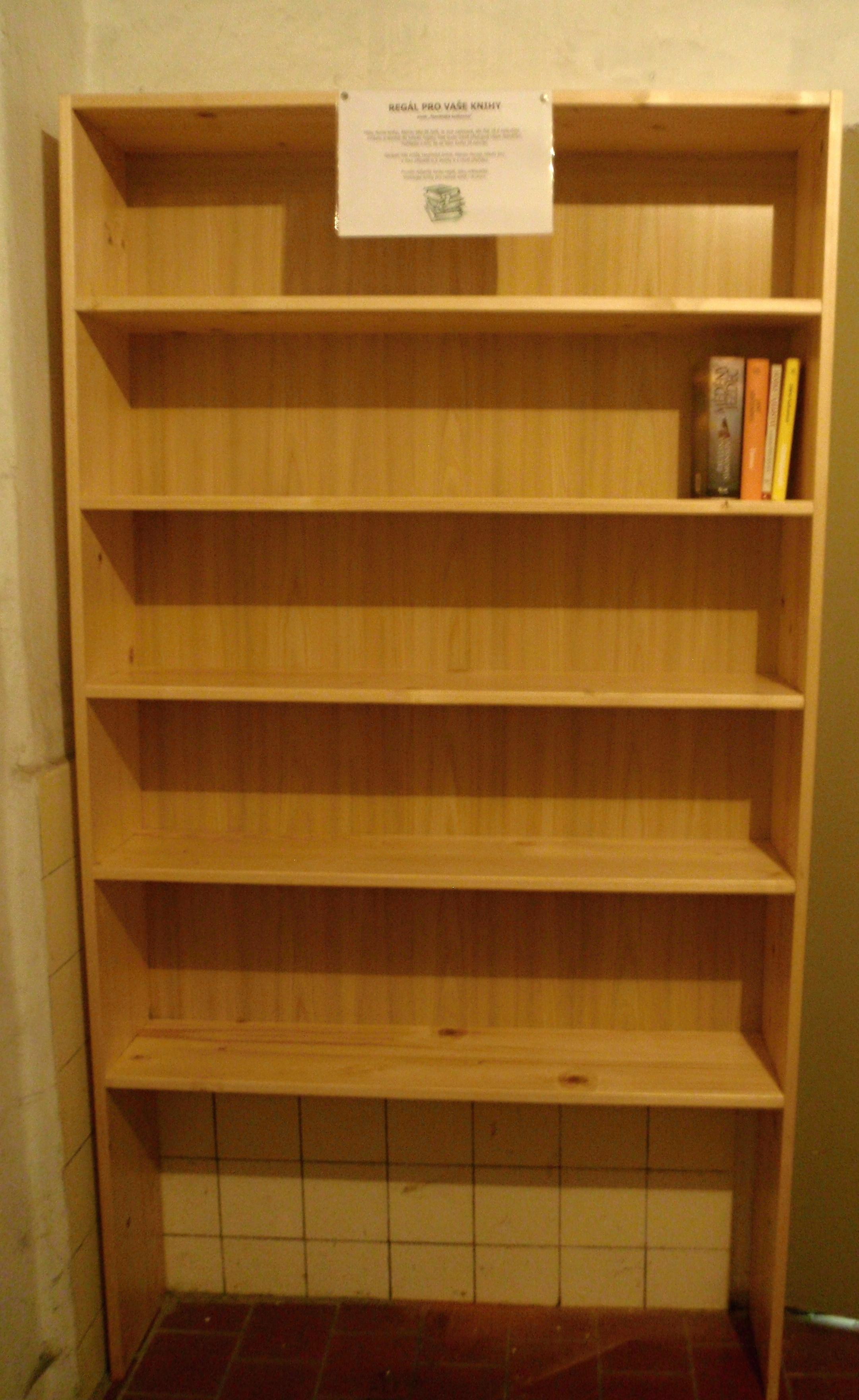 Regál pro Vaše knihy